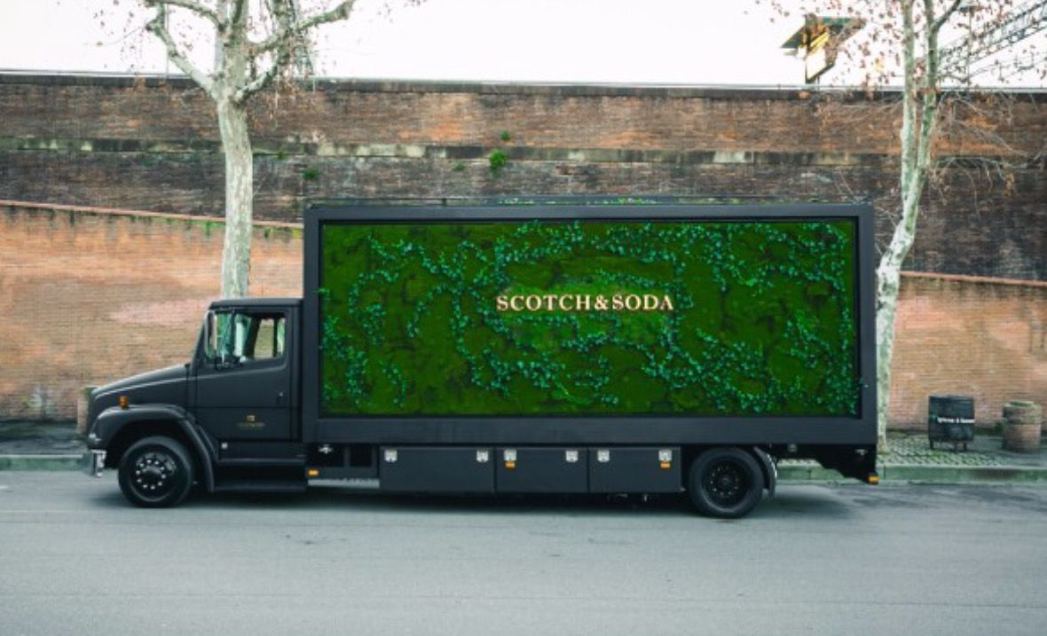 Truck by The Wunderkammer with moss and hedera and the other side opens like a store! Currently you can find the truck in Paris. #scotchonwheels #Wunderkammer