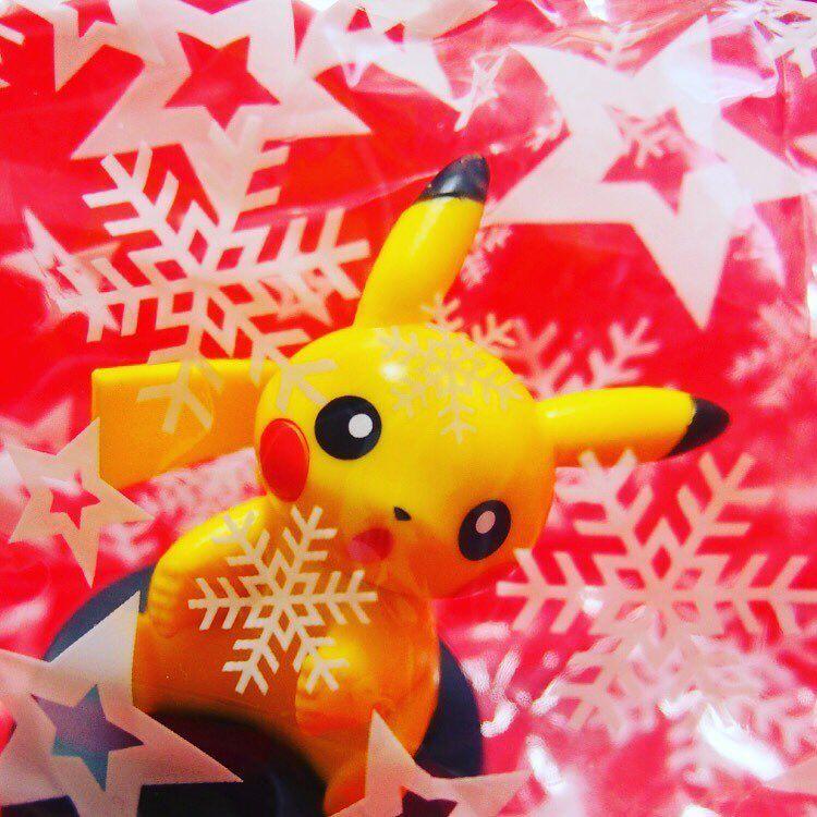 クリスマス特集 一足早いクリスマスプレゼントはとってもきれいな雪の結晶 #pikachu_Christmas #pikachu #pokemon #ピカチュウ #ポケモン #pikachu_snap #Christmas #pikachu #pokemon #pokemongo #pikachulover #pokemontrainer #pkmn #pokeball #pokemonsunandmoon #kawaii #pokemony