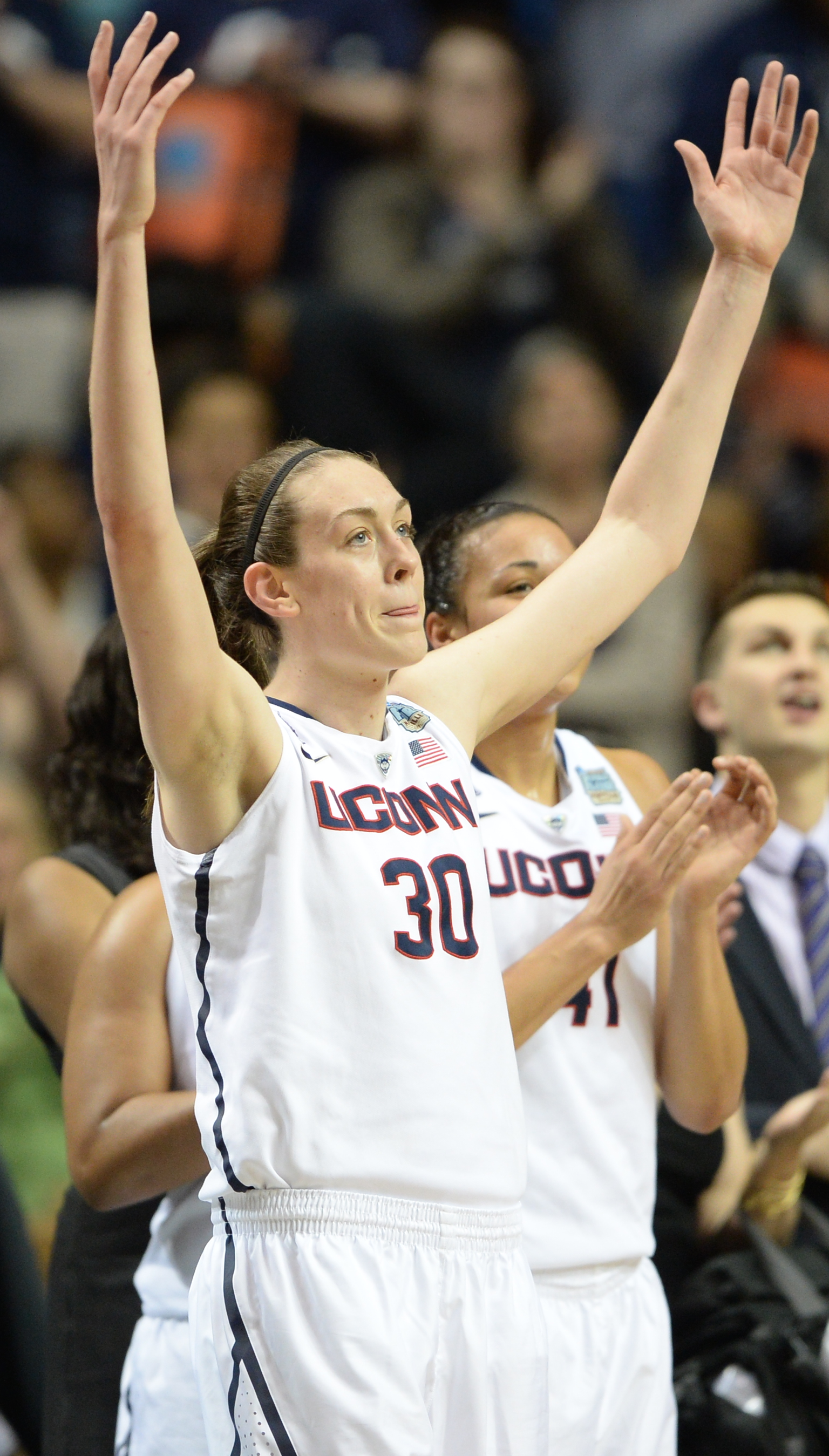 Marvel At This Breanna Stewart Dunk In All Its Slow Motion Majesty Uconn Womens Basketball Womens Basketball Basketball Girls