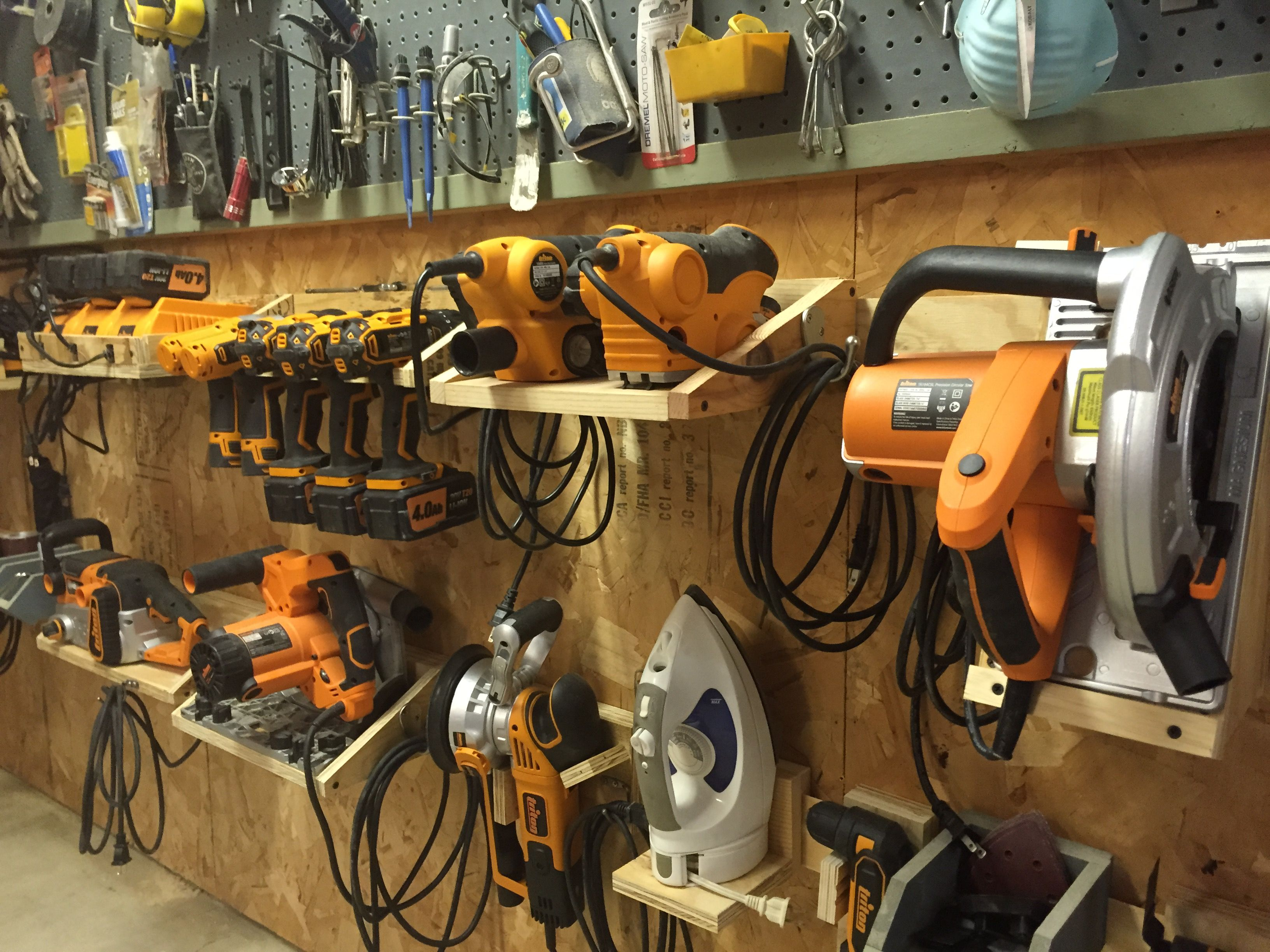power tool french cleat system woodshop ideas pinte. Black Bedroom Furniture Sets. Home Design Ideas