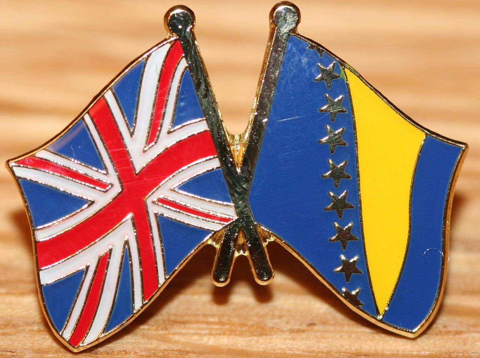 UK /& UKRAINE FRIENDSHIP Flag Metal Lapel Pin Badge Great Britain