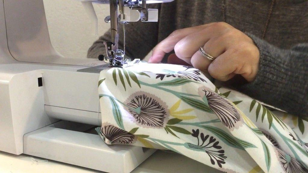 DIY Sewing Tutorial: Suffolk Garden Pyjamas by Lulú Ferris