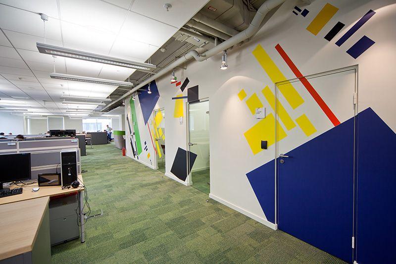 Оформление стен офиса в стиле конструктивизм студией 33dodo    Оffice in the style of constructivism