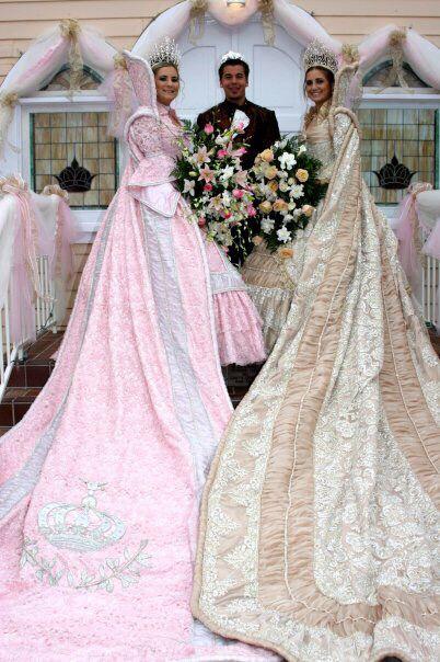 Festa Queens 2006 San Diego Queen Cape Victorian Dress Wedding