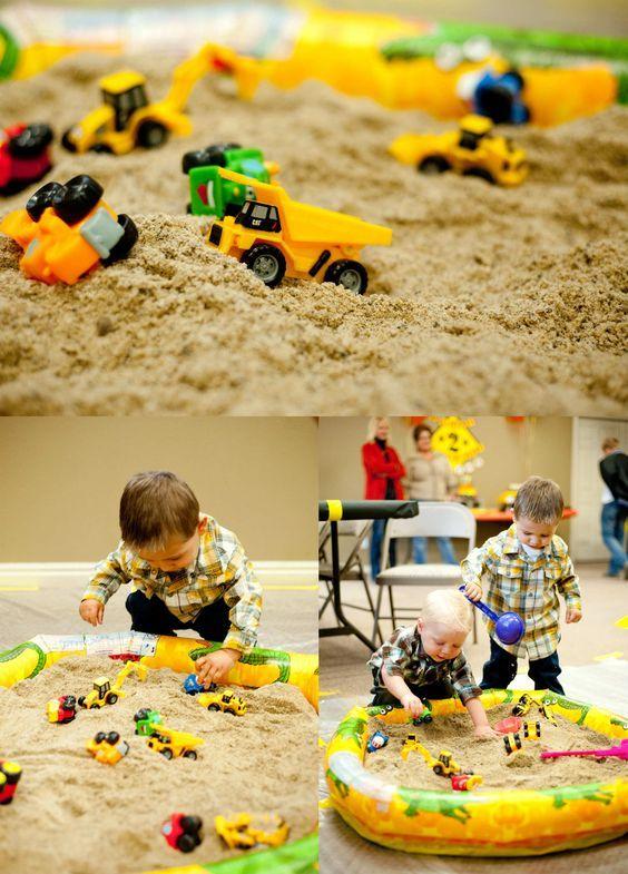 Adorable construction birthday sandbox | 10 Kids Party Activities- Tinyme Blog