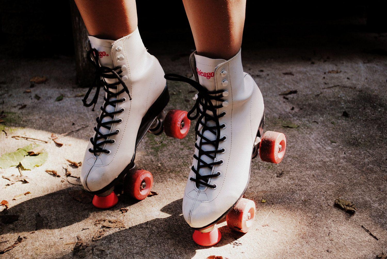 Roller skates vintage - Roller Derby Vintage Chicago Hot Pink White Black Roller Skates