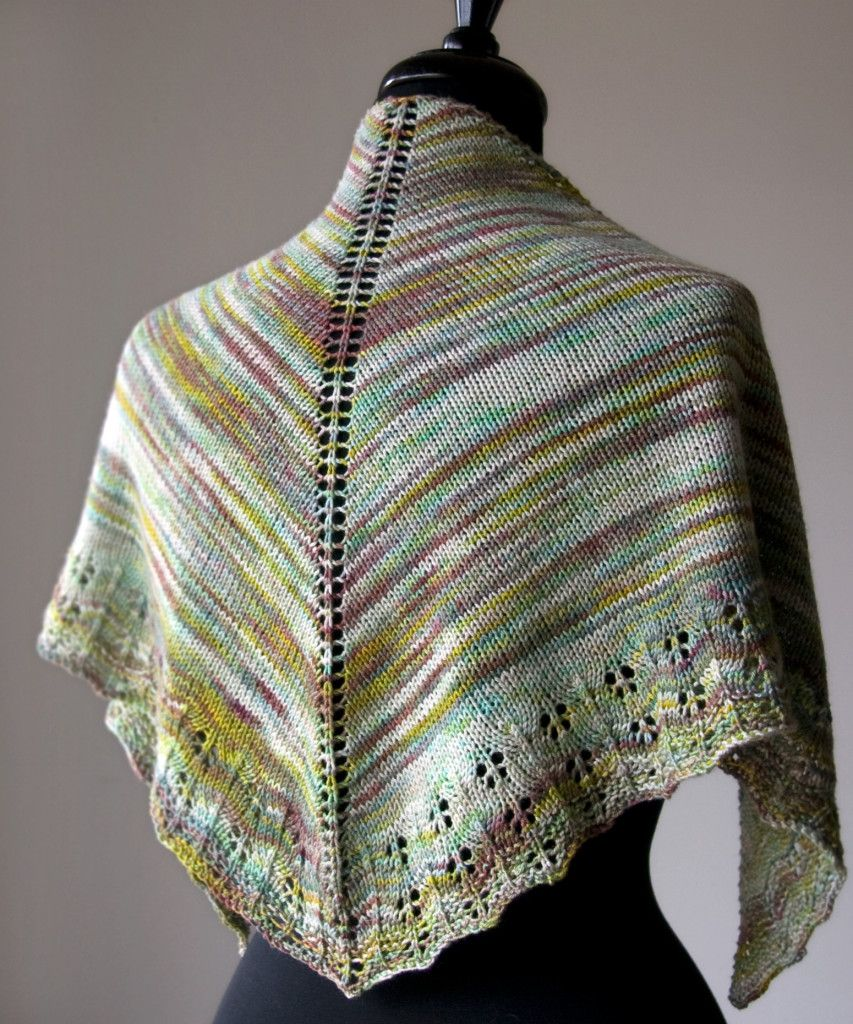 Free knitting pattern oaklet shawl tricksy knitter by megan free knitting pattern oaklet shawl tricksy knitter by megan goodacre bankloansurffo Image collections
