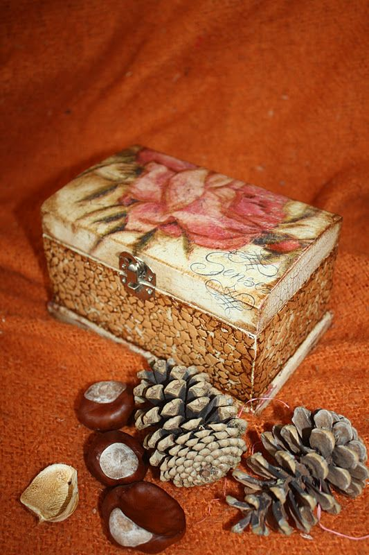 Caja decorada con c scara de huevo cascar s de huevo pinterest huevo cajas y c scara de huevo - Cascara nueces para decorar ...