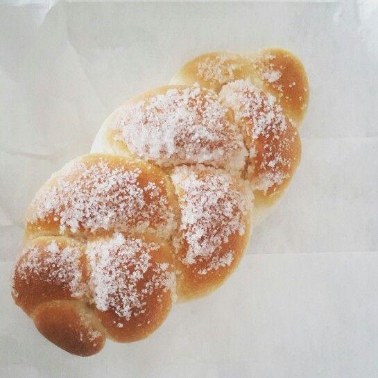 Morbidissime e profumate trecce  ricoperte di zucchero... vi presento il maritozzo pugliese  #ridieassapori #weareinpuglia