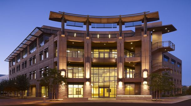 Uci S Gross Hall In The School Of Medicine Green Building House Styles University Of California