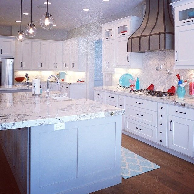 This Stunning Dream Home Kitchen Features Alpine White Granite Countertops Accent Interiors Sal White Granite Countertops New Home Designs Interior Accents