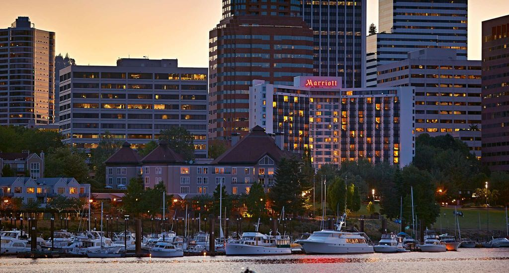 Our Hotel In Portland Oregon Offers Guests An Unbeatable Location With Spectacular Views And Luxurious Accommodations Reserve Your Private Stay Today