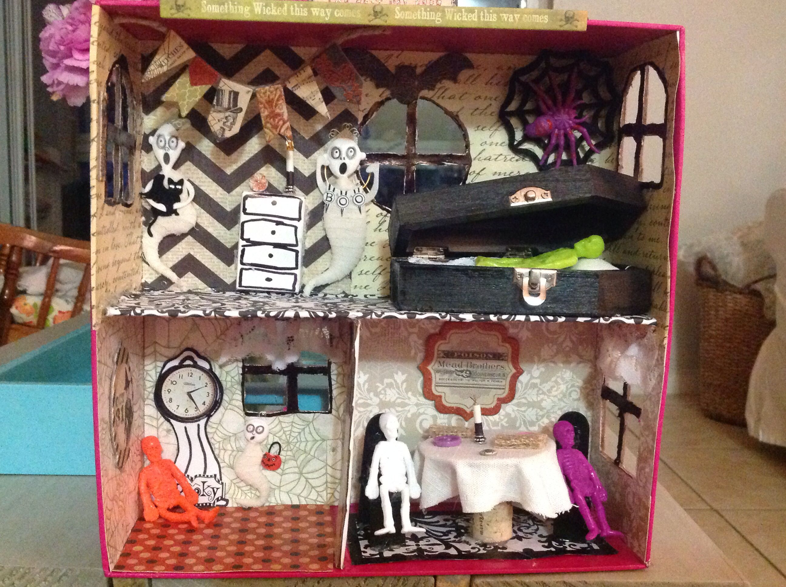Kitchen Diorama Made Of Cereal Box: Halloween DIY Haunted House.