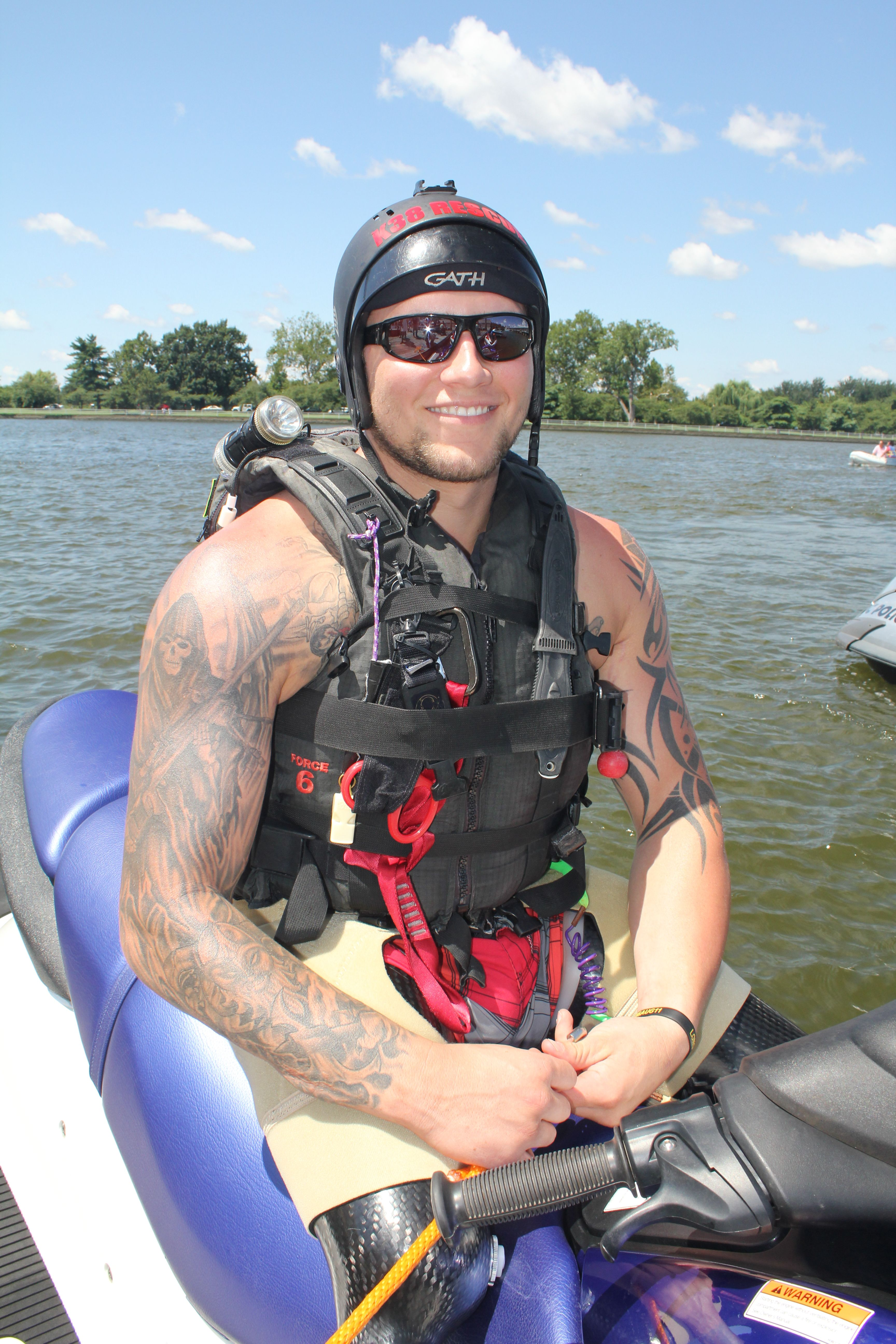 US Navy SEAL Bo Reichenbach Never Quit Challenge Training  US Navy