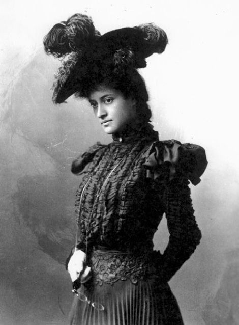 """Hawaii's Princess Ka'iulani in London, 1895. She was born October 16, 1875 in Honolulu, she was named after Queen Victoria, she spoke several languages fluently, and her name means """"the royal sacred one"""" in Hawaiian. Princess Victoria Ka'iulani was the last crown princess of the Kingdom of Hawaii."""