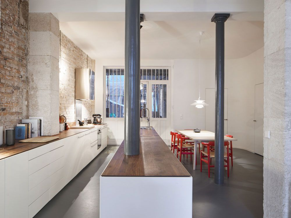 Glass-and-Walnut-Loft-in-Paris-by-CUT-Architectures-Yellowtrace-12.jpg 1,000×750 pixels