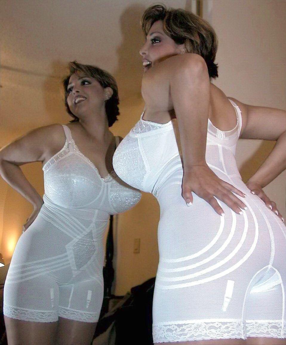 939a6197105 Busty White Girdle Maiden. Underwear Modeling.  Girdle  Girdles   GirdleMaidens  Underwear  Busty  Bumpers