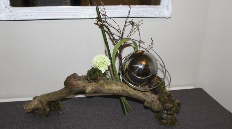 Wurzel Deko wurzel natürlich dekoriert mit einer edelstahlkugel, preis 29