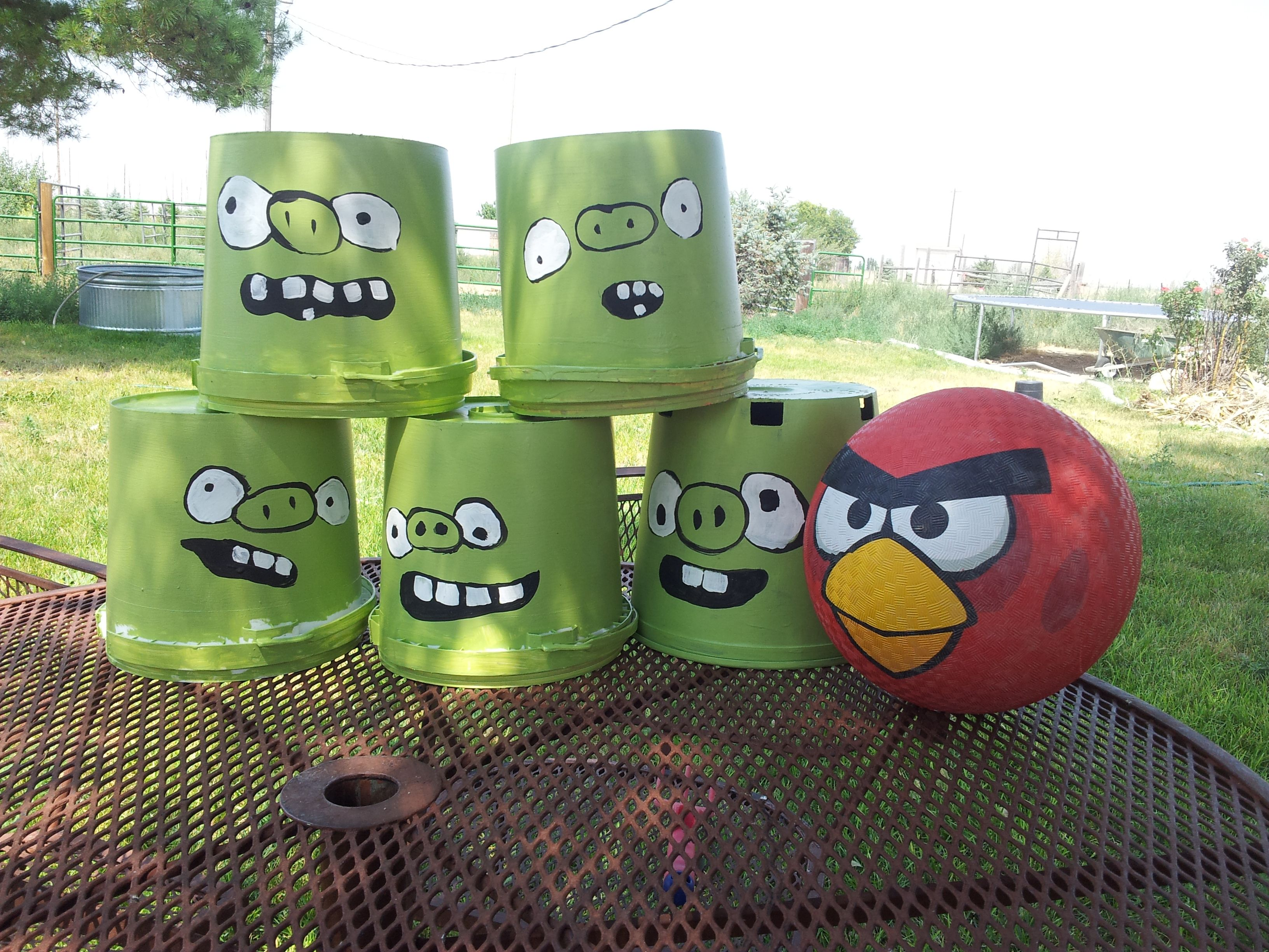 Angry Bird Buckets Just A Little Paint And A 10 Angry