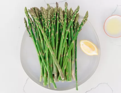 Top Fresh Spring Vegetables And How To Use Them In 2020 Asparagus Spring Peas Recipes Vegetables