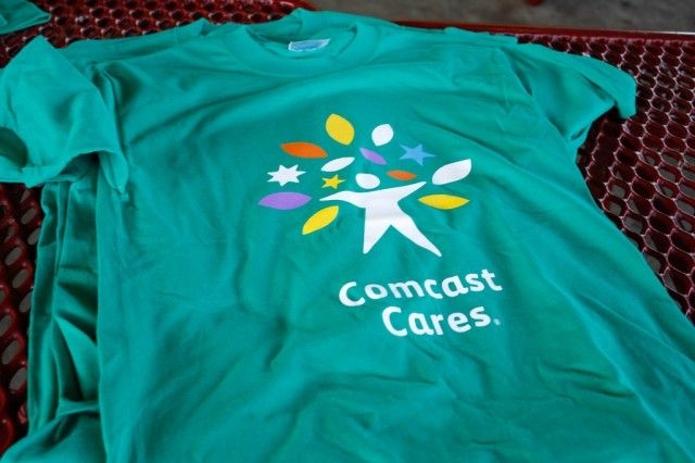 """""""Comcast's data caps are 'just low enough to punish streaming'"""""""