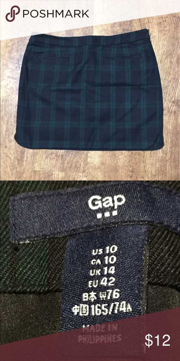 3acd277ceb Gap mini skirt Flannel Gap mini skirt, black and green. Size 10. Pleated in  the front. Pockets in the back. Lightly worn. GAP Skirts Mini