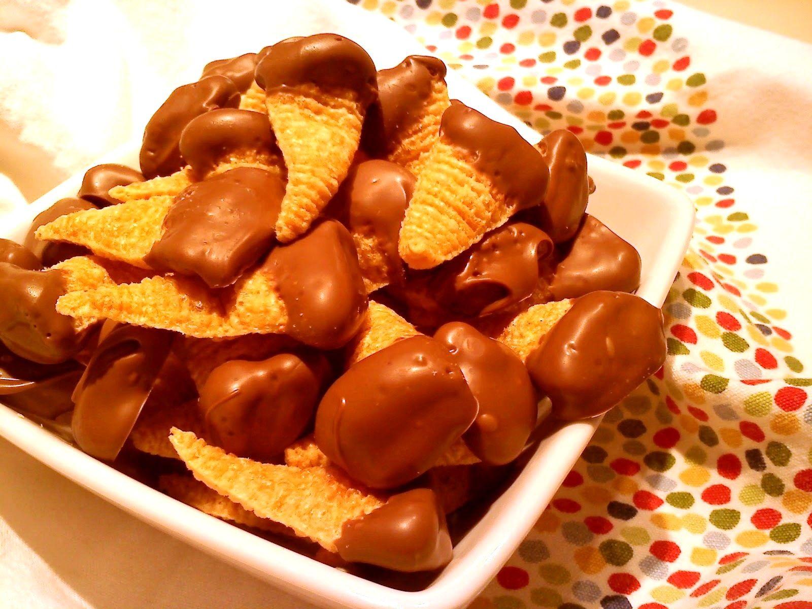 Vul je Bugles eens met... pindakaas (en daarna lekker dippen in gesmolten chocolade)! #BuglesVultip