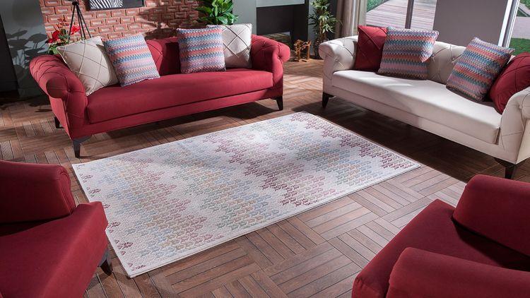 wohnzimmergestaltung der trendfarbe orchideen lila, rote couch im wohnzimmer – welche wandfarbe und co. passen dazu, Ideen entwickeln