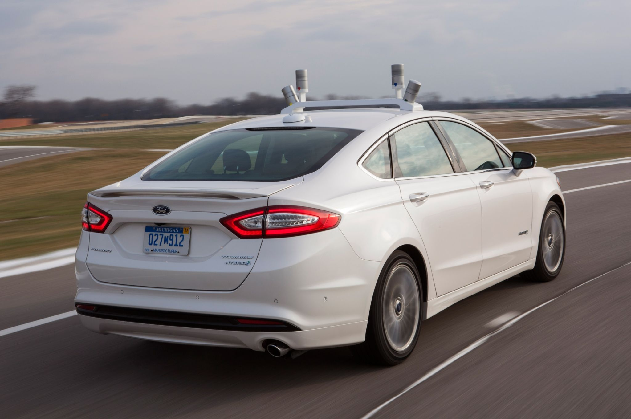 2016 ford fusion hybrid rear photo