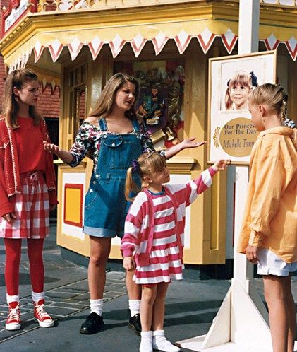 Full House At Disney World I Was There When They Were Filming This Episode House Clothes Full House Episodes Full House