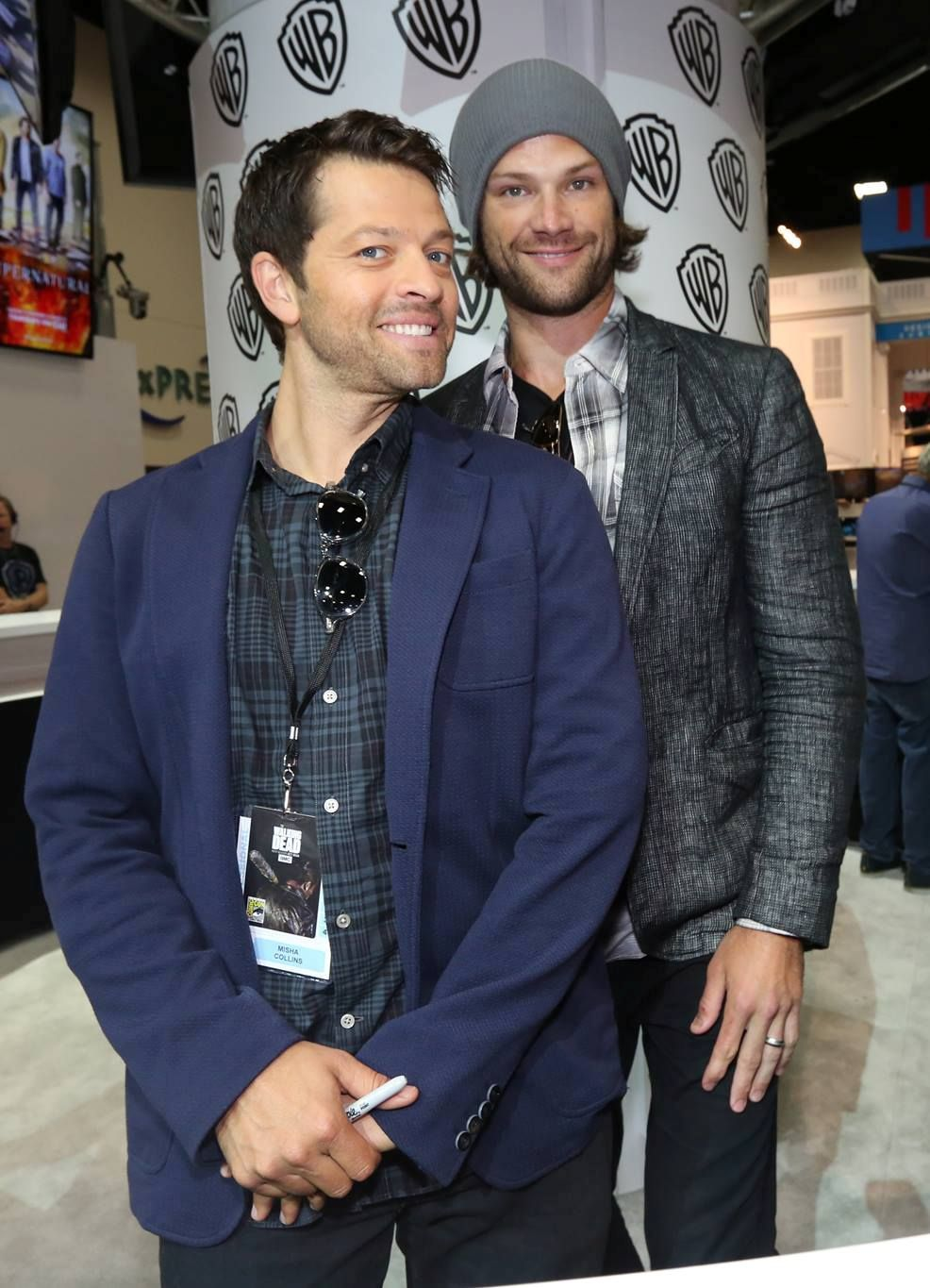 """Supernatural on Twitter: """"#Supernatural's @mishacollins and @jarpad at Comic-Con 2016. https://t.co/67vD4311Wr"""""""