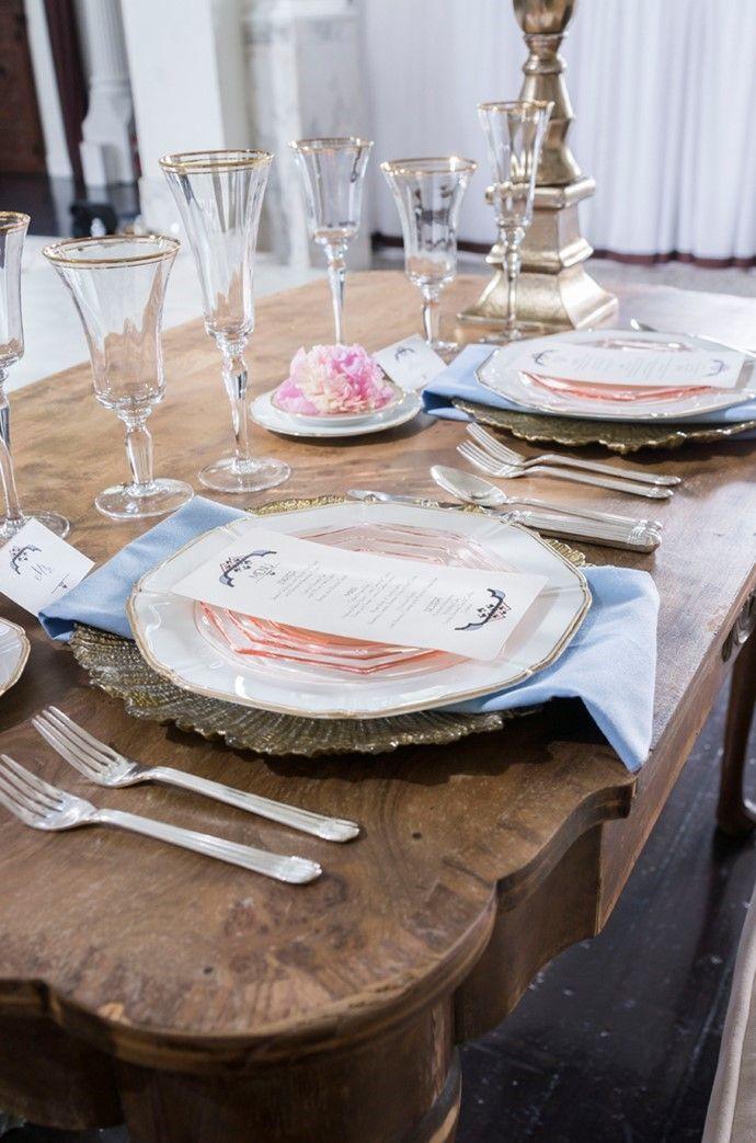 romantic art deco wedding tablescape vintage mobel trinken essen mondhochzeit traum hochzeit