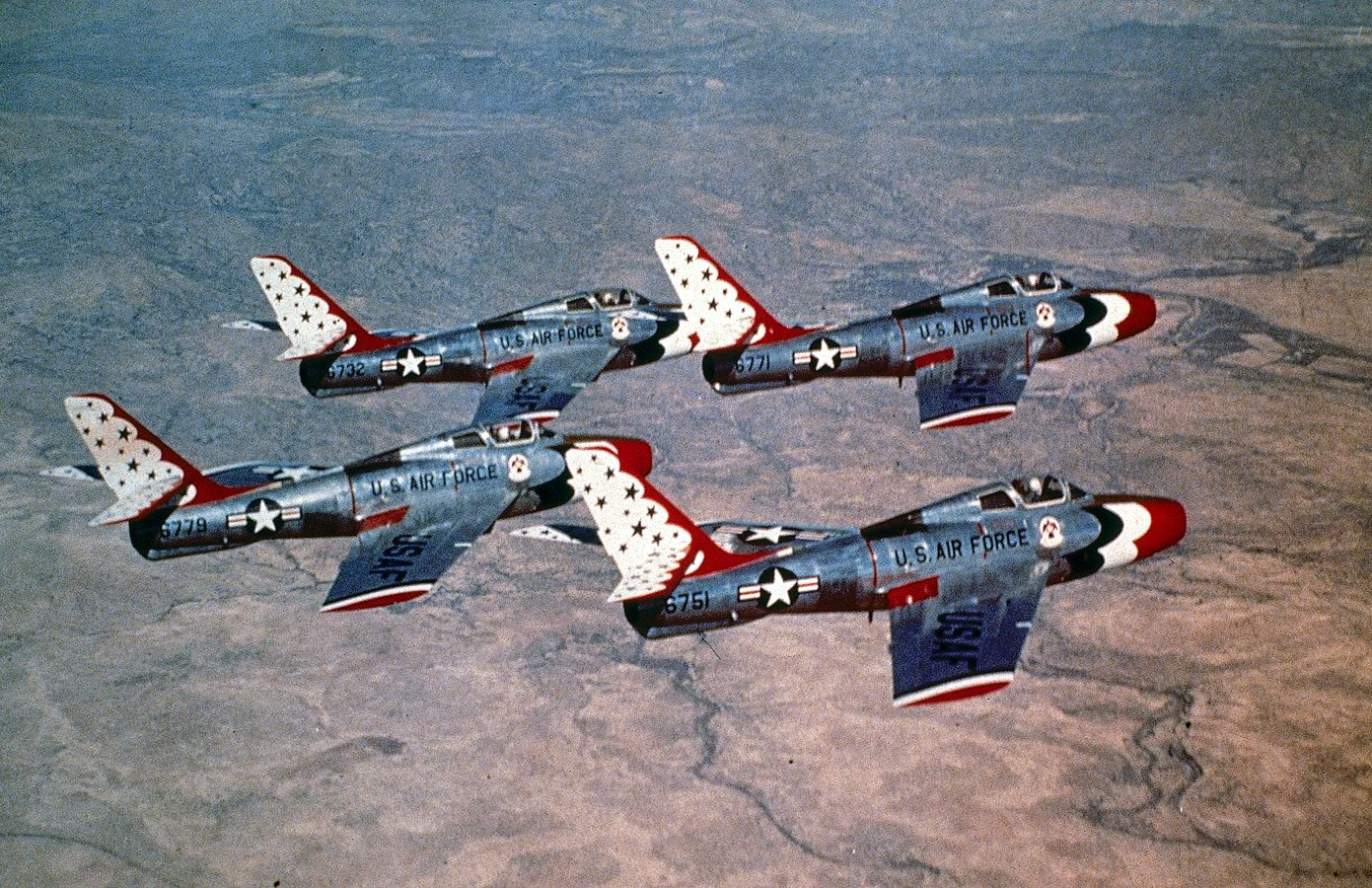 USAF Thunderbirds, mid 50's F84 Thunderstreak Aircraft