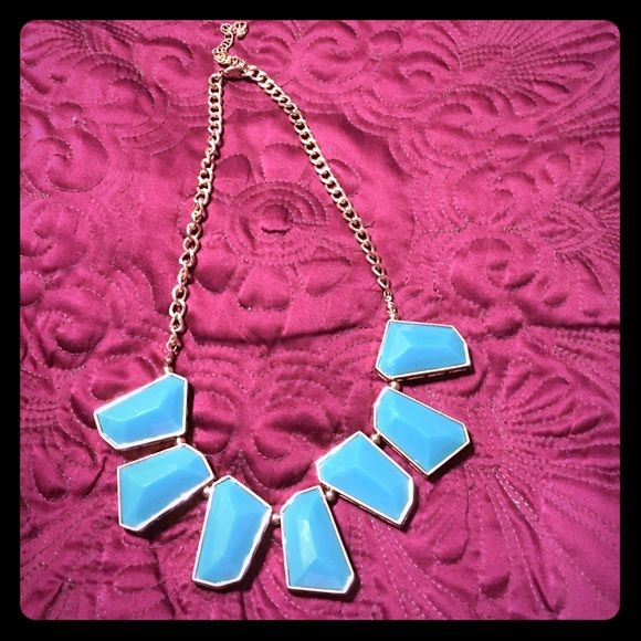 BKE turquoise & Gold necklace Beautiful, excellent condition. BKE Jewelry Necklaces