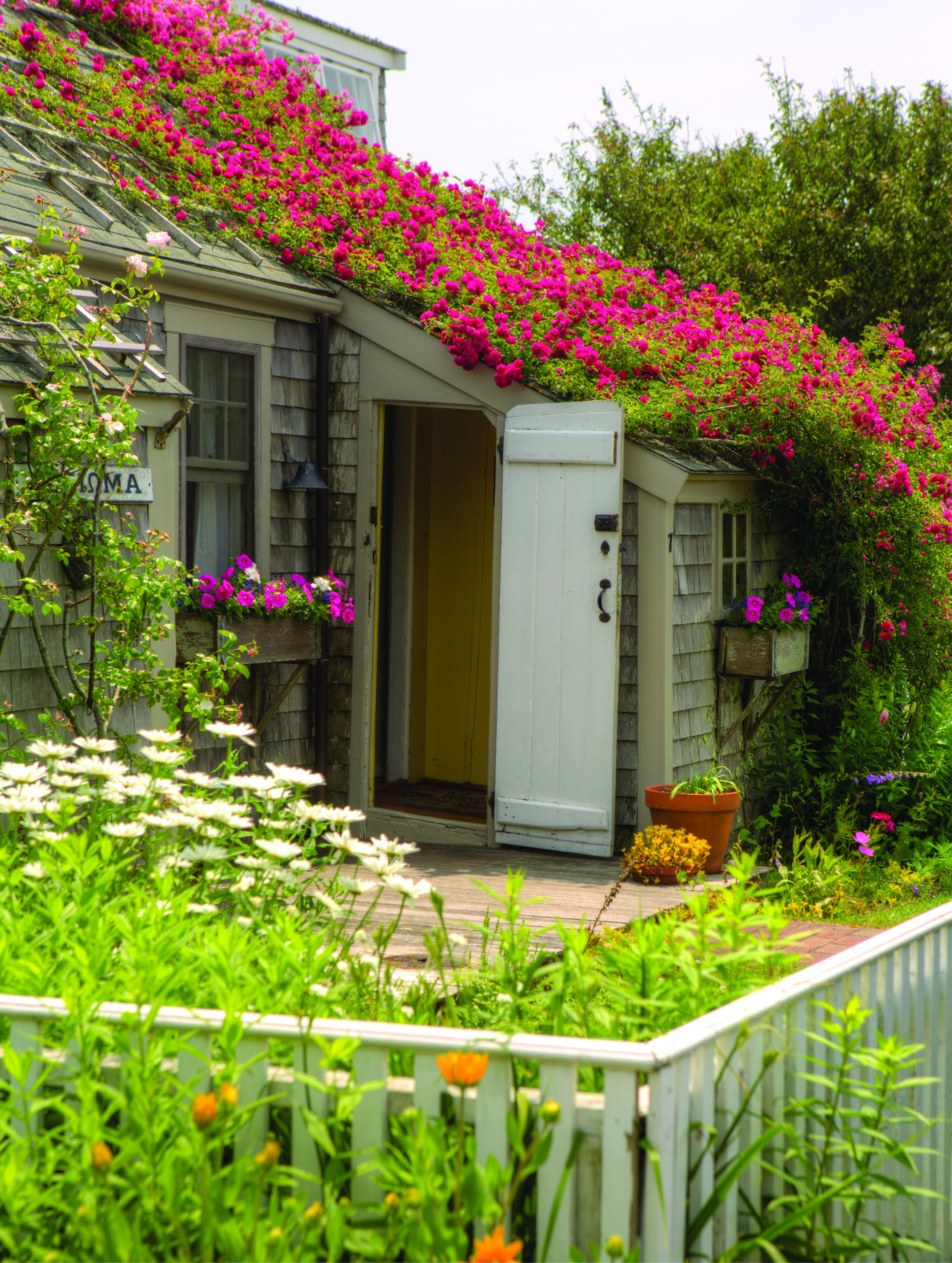info plusarquitectura cottages to island cottage vrbo wonderful kitchen nantucket aug black