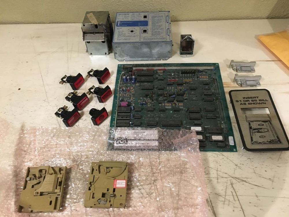 LOT OF COMPLETE PARTS FOR 13 DODGE CITY POKER MACHINES