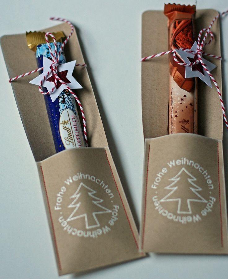 Regelmäßig zu Weihnachten bittet mich mein Mann um eine Kleinigkeit für seine Arbeitskollegen. Diesmal sind es die lecker Schokostangen v... #weihnachtsgeschenkkollegen