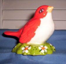 Bird  Red/White/Flowered Grass Pie Bird