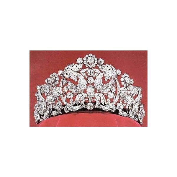The Braganza Tiara ❤ liked on Polyvore featuring accessories, hair accessories, tiara i tiaras