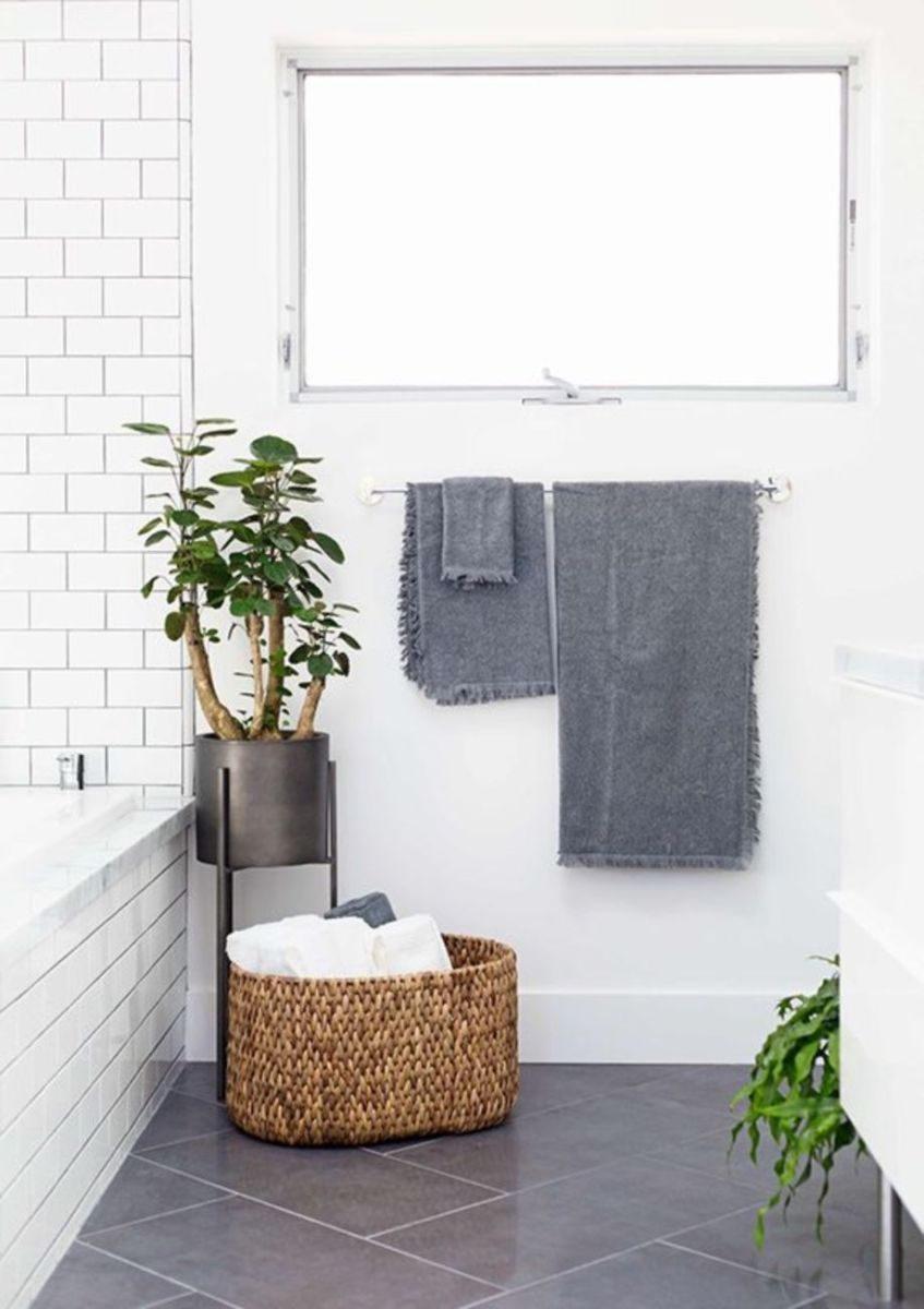 Modern small bathroom tile ideas 089 | Small bathroom tiles, Modern ...
