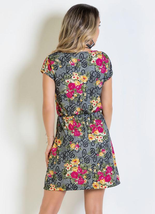 a13de37dc Vestido Curto Floral com Elástico na Cintura em 2019