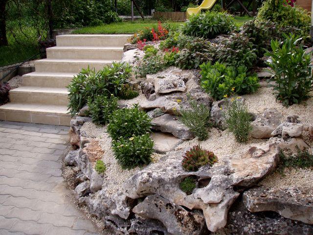 Steingarten anlegen pflanzenauswahl hang treppen kies ...