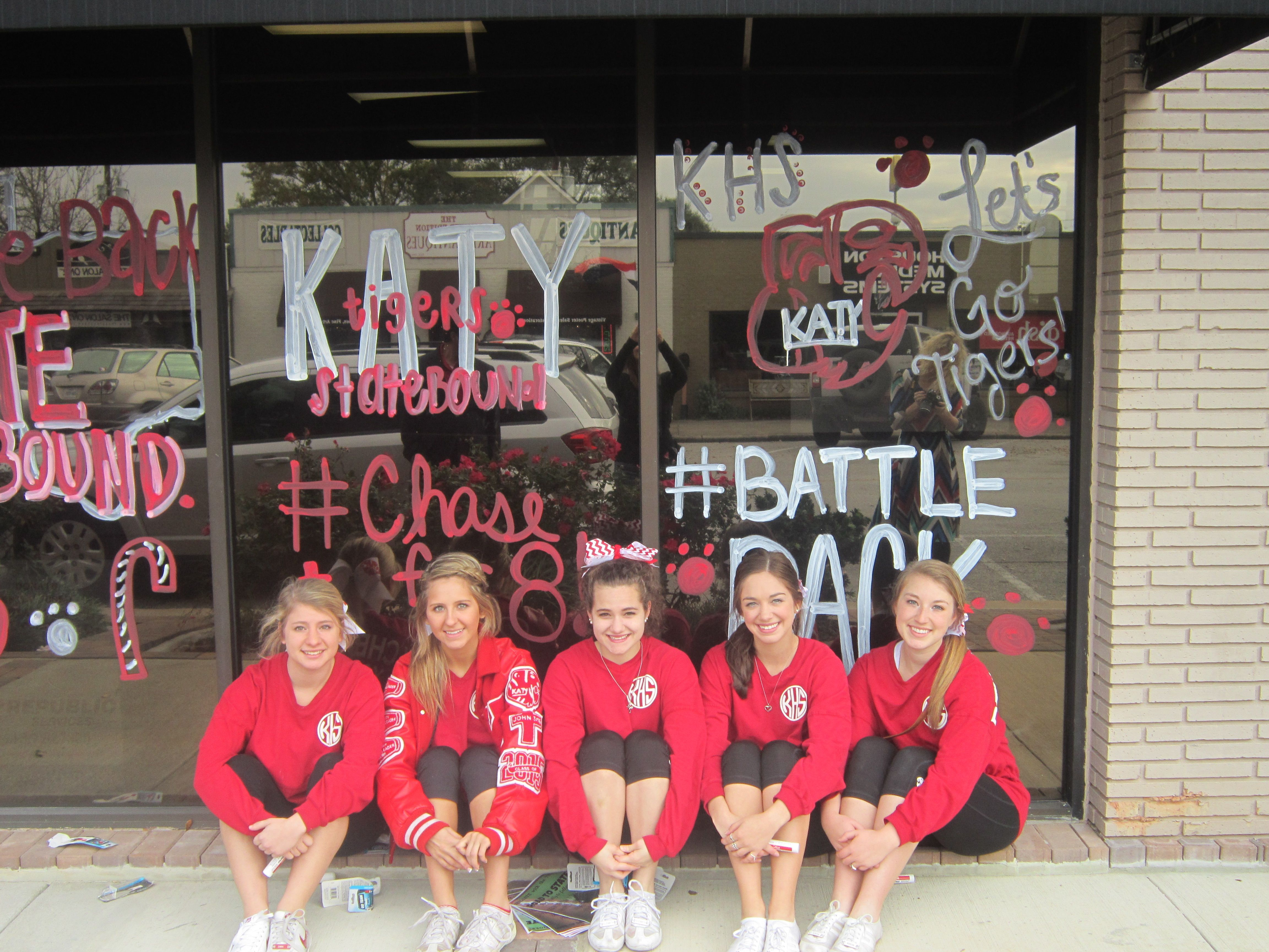 The Katy High School Drill Team And Cheerleaders Paint The Town Red Before The State Championship Football Game For More Katy Texas Championship Football Katy