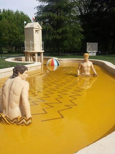 Giardino della Triennale.  Fontana di Achille Castiglioni restaurata grazie al contributo di Mapei.   #triennale #milanoDesignWeek #iSaloni