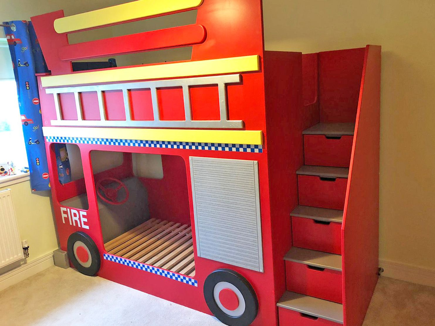 Fire Engine Themed Bunk Bed in 2020 Bunk beds, Bed