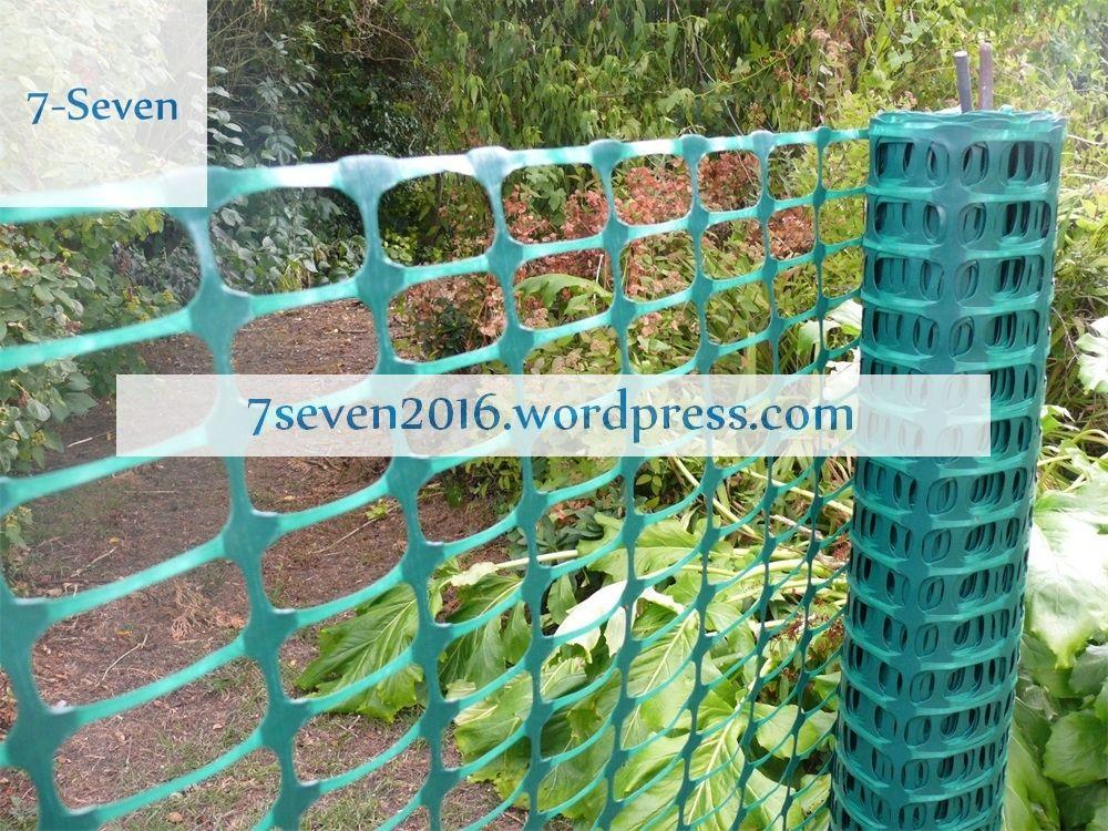 Everbilt Green Fence