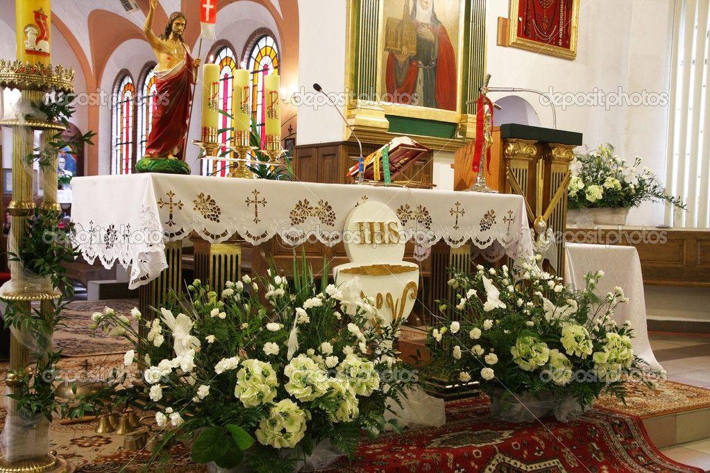 Znalezione Obrazy Dla Zapytania In The Church First Communion Flower Table Decorations Decor Home Decor