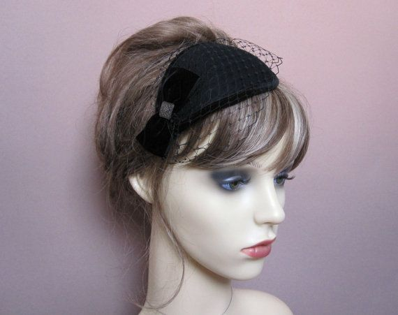 ca0b2640c96 vintage style teardrop pillbox wool felt small hat 40s 50s retro fascinator  occasion wear wedding funeral