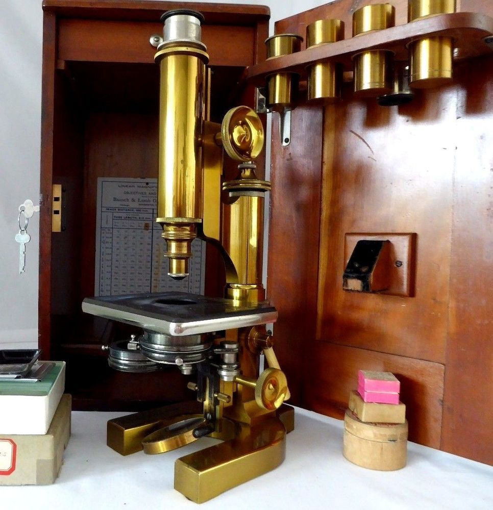 """Antique Bausch & Lomb """"GRAND MODEL"""" Microscope 1898.Wood Case, Keys, Accessories"""
