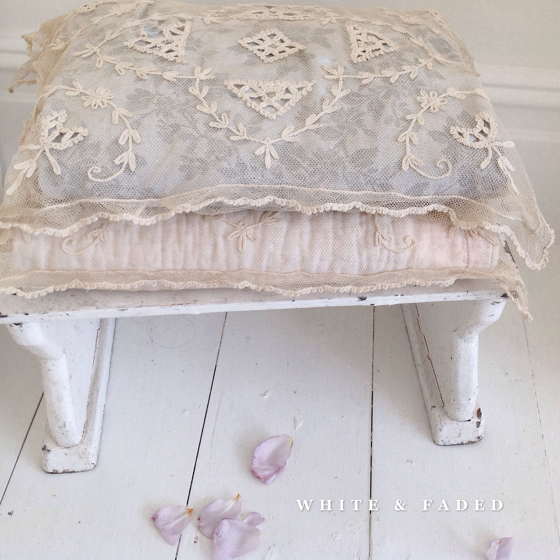 boudoir JDL....CHARMANT! with feather filling Beautiful antique French chair cushion french living shabby